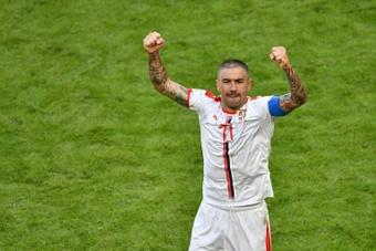 Kolarov seguirá un año más en el Inter. AFP/Archivo