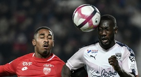 Sabaly podría jugar en la Liga Española. AFP