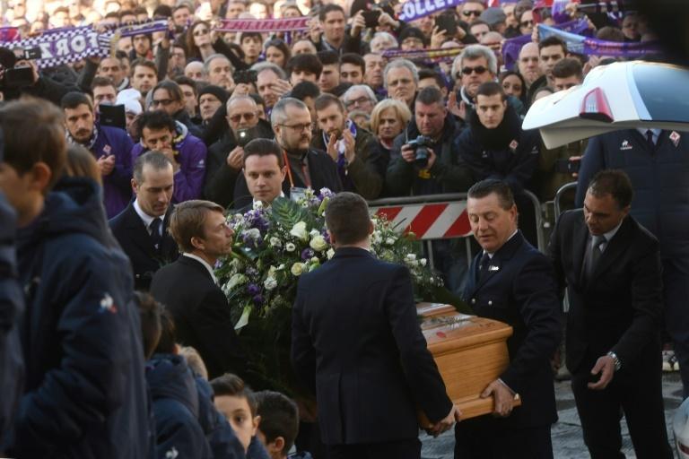 Así fue el emotivo homenaje a Davide Astori en el Fiorentina-Benevento