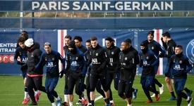 PSG deverá buscar jogadores no futebol nacional. AFP