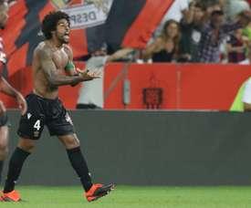Dante buteur lors de la victoire 2-1 à domicile face à Amiens. AFP