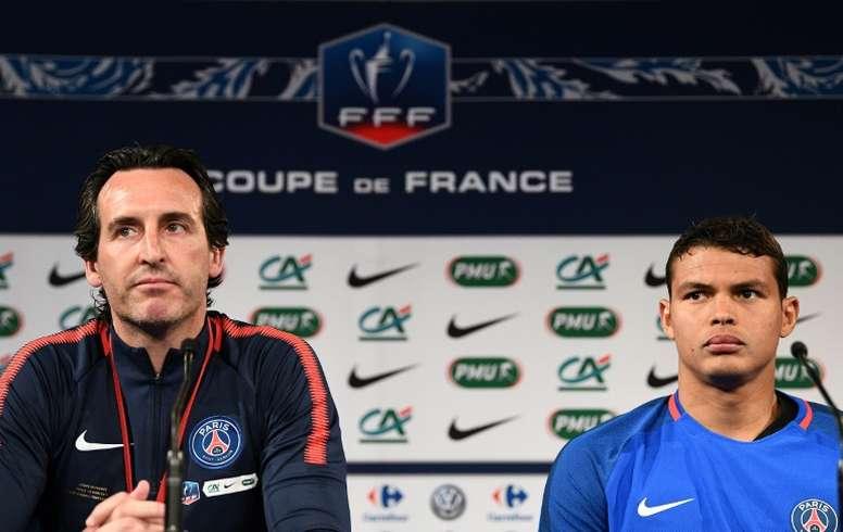 Thiago Silva se paye Unai Emery. AFP