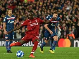 Sadio Mané transforme un penalty contre l'Etoile Rouge. AFP