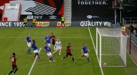 Leicester implose, Aston Villa garde espoir. AFP