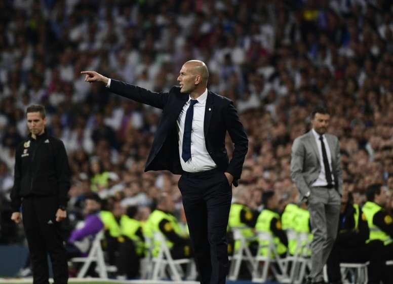 El Madrid interviene 635 abonos por su mal uso en el  Clásico ... 33b8b61cad6cb