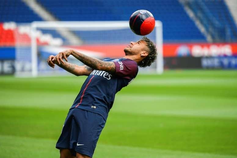 Según 'Sky Alemania', el Barça ofrece 100 millones más dos jugadores por Neymar. AFP