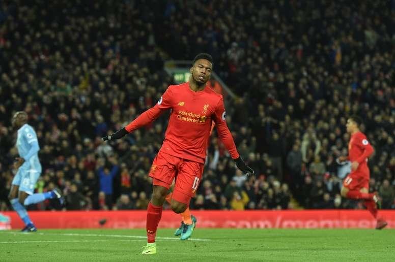 Sturridge podría quedarse en el Liverpool. AFP