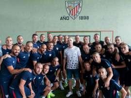 Les joueurs de l'Athletic Bilbao la tête rasée pour soutenir Yeray Alvarez, atteint d'un cancer. AFP