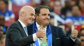 Le président de la Concacaf Victor Montagliani avec le patron de la Fifa Gianni Infantino. AFP