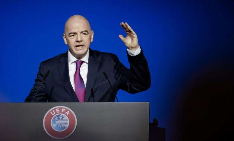 FIFA deve refazer seu calendário. AFP