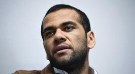 ¿Y si Alves vuelve al Sevilla? Él ni confirma ni desmiente. AFP