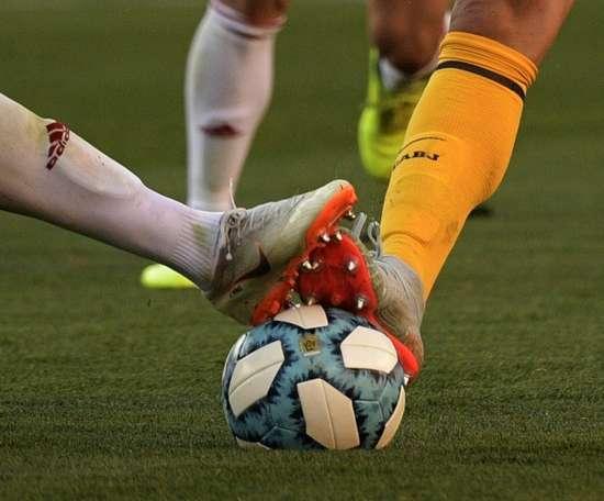 Ligue 2: Lens reprend les rênes de la L2 en battant Rodez 2 à 1. AFP