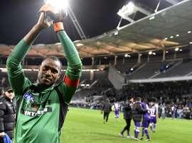 Le gardien français dorigine comorienne de Toulouse, Ali Ahamada, après la fin du match en Coupe de la Ligue contre Marseille au Stadium de Toulouse, le 13 janvier 2016