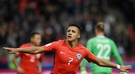 Alexis choisit Ronaldo comme meilleur joueur de l'histoire. AFP