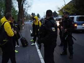 A polícia foi rápida a atuar, segundo relatos de Burki, goleiro do Dortmund. AFP