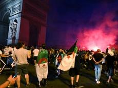 De Marseille aux Champs-Elysées, les fans des Fennecs y croient. AFP