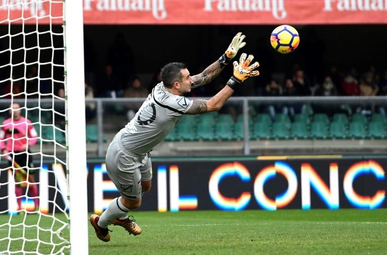 Gianluigi Buffon rompe el llanto en minuto de silencio de Davide Astori
