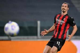 Ibrahimovic sufre una lesión de rodilla desde el mes de mayo. AFP