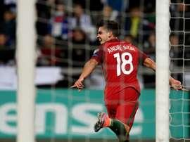 Lattaquant portugais André Silva fête un de ses trois buts face aux Îles Féroés à Thorshavn, le 10 octobre 2016