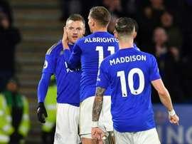Jamie Vardy garantiu os três pontos para o Leicester fora de casa. AFP