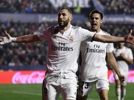 Karim Benzema après avoir inscrit un penalty sur le terrain de Levante. AFP