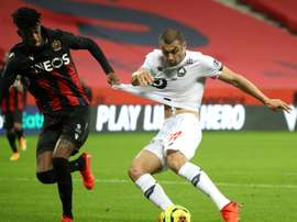 Kasper Dolberg y Burak Yilmaz firmaron los goles. AFP