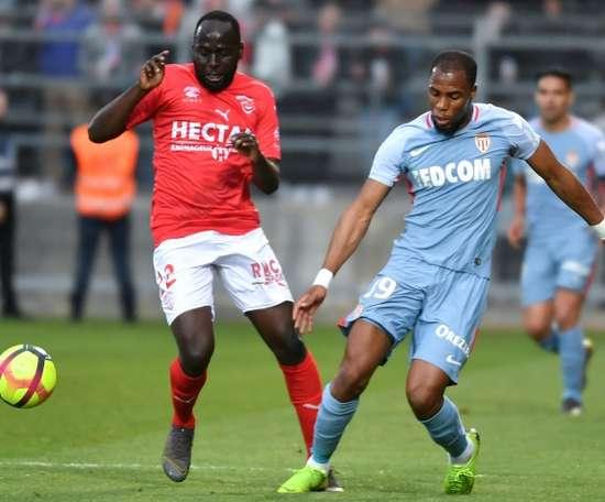 Le Milan AC veut Djibril Sidibé. AFP