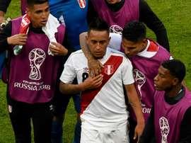 Cueva recordó su penalti fallado ante Dinamarca. AFP