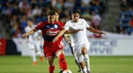 Gio Simeone y su guiño al Sevilla. AFP
