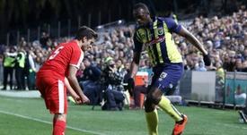 Bolt joue 20 minutes lors d'un match amical avec léquipe australienne Central Coast Mariner. AFP