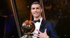 Le successeur de Cristiano Ronaldo, lauréat du Ballon d'Or 2017 le 8 décembre à Paris. AFP