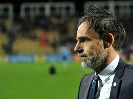 Marco Simone, alors entraîneur de Tours, lors du match de Coupe de la Ligue face à Angers. AFP