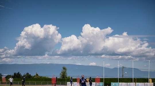 Lyon ouvre le bal du retour du foot pro en France. afp