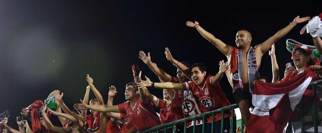 La afición de Unión La Calera tiene motivos para sonreír. AFP