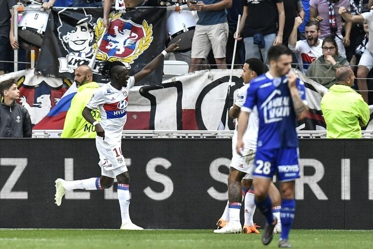 Prochain article Article précédent Pin Bertrand Traoré grand artisan de la victoire de Lyon. AFPWhatsappTwitterFacebookCommentaires 0