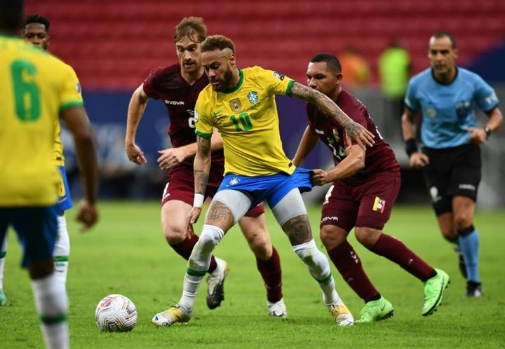 Por que os clubes não são obrigados a liberar seus jogadores?.AFP