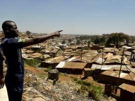 Henry Eshiboko, footballeur à Kibera, l'un des plus grands bidonvilles au monde de Nairobi. AFP