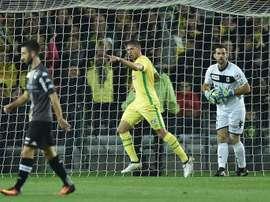 Lattaquant argentin de Nantes Emiliano Sala célèbre son but face à Angers, le 25 octobre 2016 au stade de la Beaujoire en Coupe de la Ligue
