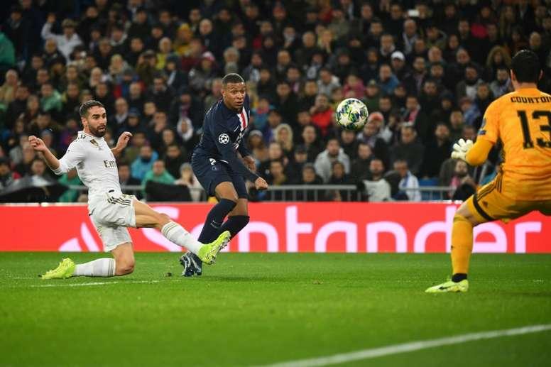 En Francia temen que Mbappé se vaya al Madrid en verano. AFP