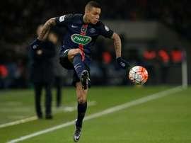 Gregory van der Wiel is prepared to exit Paris Saint-Germain this summer. BeSoccer