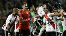 Les joueurs de River Plate célèbrent leur victoire sur Boca Juniors en finale de la Superliga. AFP