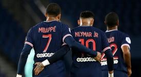 En Francia aseguran que al PSG sobre todo le interesa la renovación de Kylian. AFP