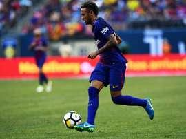 Yuri Berchiche falou sobre a possibilidade de Neymar chegar ao time francês. AFP