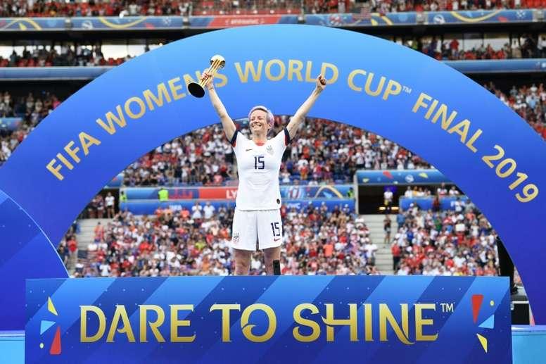 Megan Rapinoe sacrée meilleure joueuse et buteuse du tournoi. AFP