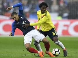 A França perdeu na receção à Colômbia. AFP