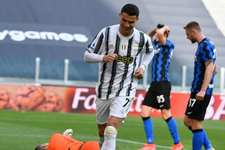 La Juventus gana al Inter con polémica