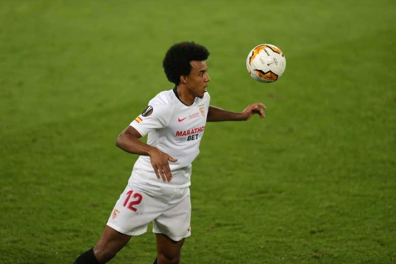 Koundé, listo para el duelo de la Supercopa de Europa. AFP