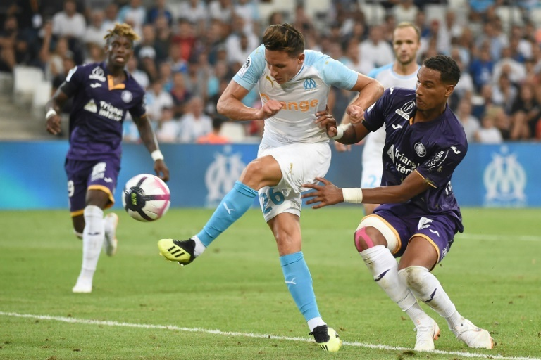 À Besoccer Chaussure Son Thauvin Trouve Pied Pas Ne 0knwP8O
