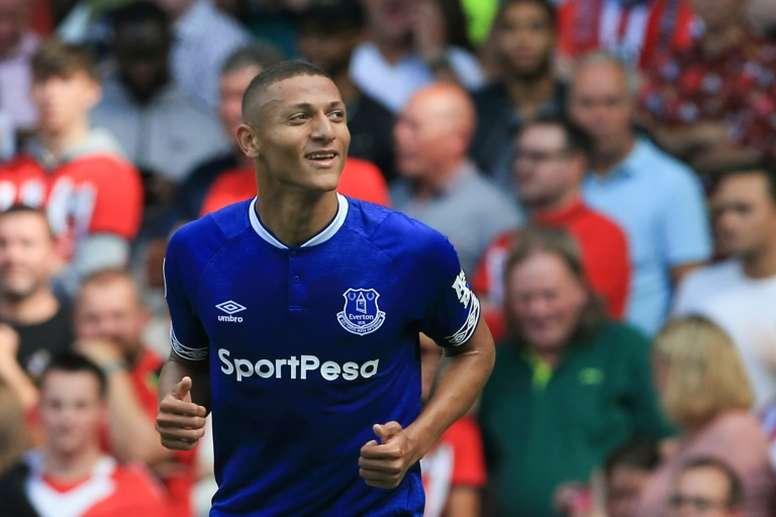 Richarlison teve a chance de deixar o Everton na última janela de transferências. AFP