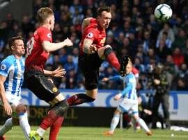 Manchester United fixe un prix pour Phil Jones. AFP